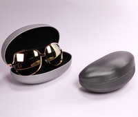 2021 Glasses case Sunglasses case comes in two colors shaped like cashew nuts