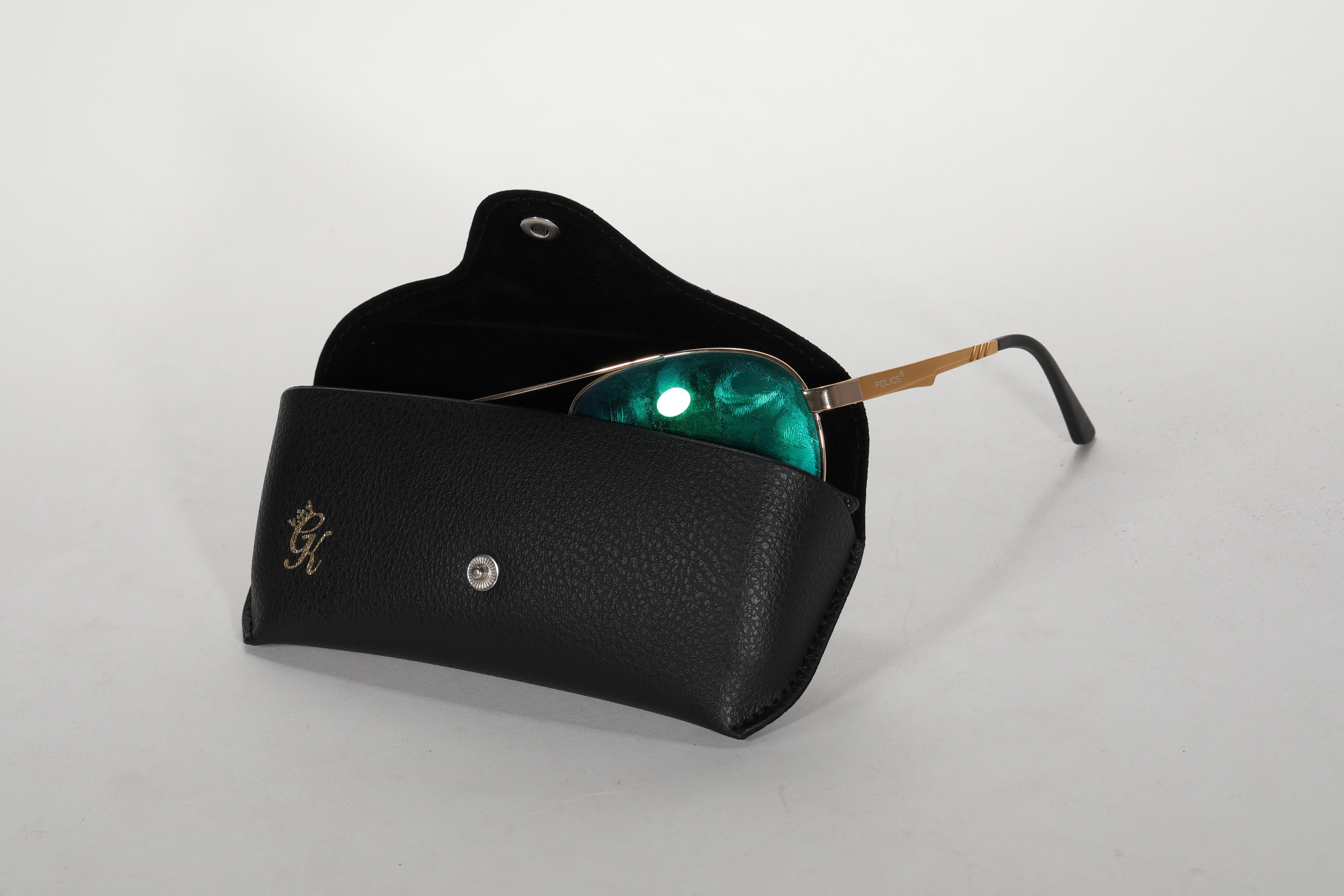 2021 Glasses Box Sunglasses Are Black with LOGO Printed And Look Like A Leather Bag